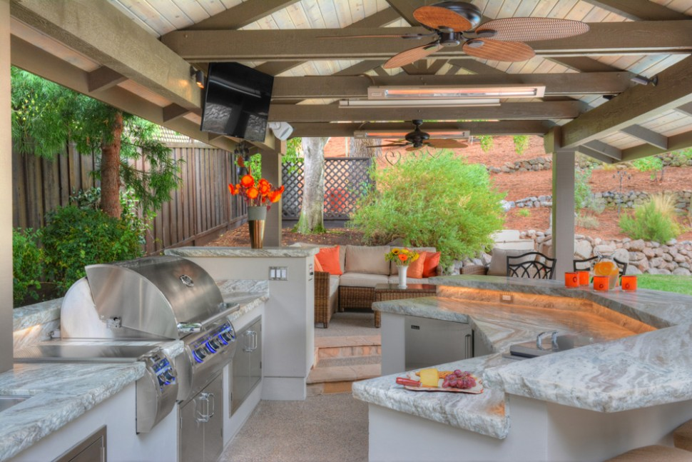 Outdoor kitchen living space in alamo gayler design for Outdoor kitchen pavilion designs