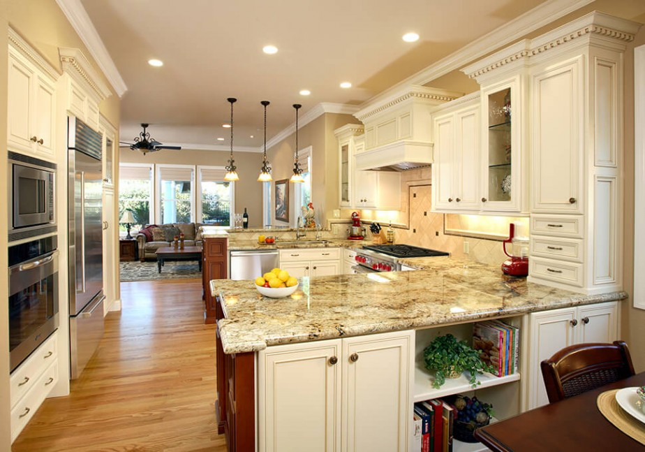 Traditional kitchen in Brentwood, CA kitchen remodel