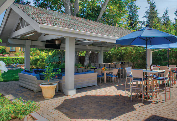 A Step-By-Step Guide to Remodeling an Outdoor Living Space