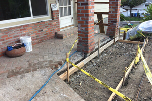 forming-new-concrete-patio_300x200.jpg