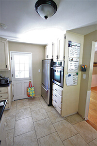 kitchen-2-before_200x300.jpg