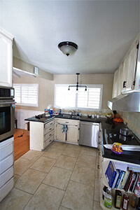 kitchen-before_200x300.jpg
